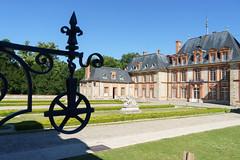 2451 Château de Breteuil