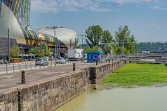31-Ecluse et pont - Photo of Bouliac