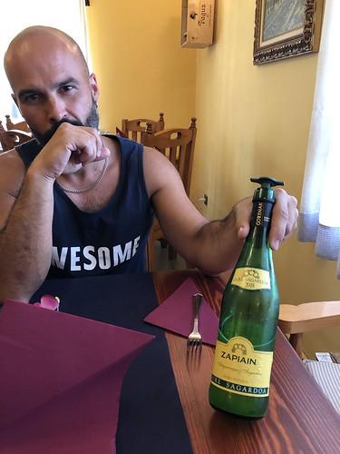 Alejandro with Zapiain cider, Restaurante Asador Casa O'Caminero, Loarre, Spain