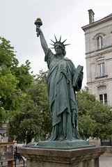 Bordeaux Statue of Liberty - Photo of Bouliac