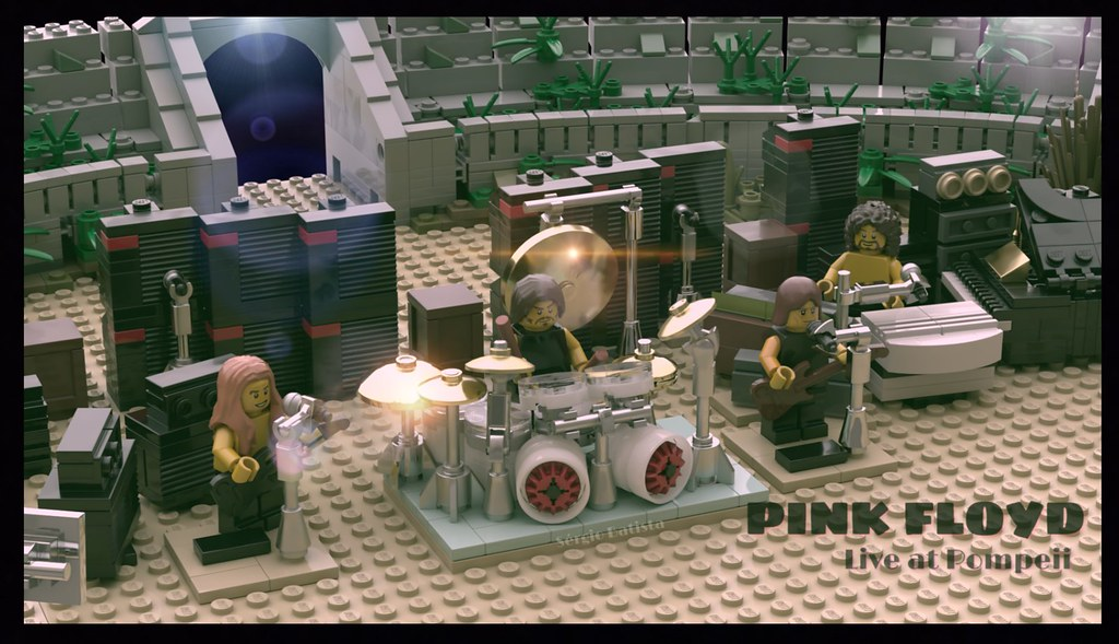 LEGO - Pink Floyd live at Pompeii - Download Photo - Tomato