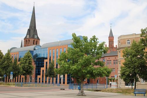 Bitterfeld-Wolfen: Bitterfeld-Wolfen: Erweiterungsbau des Rathauses Bitterfeld