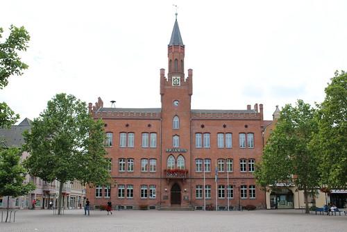 Bitterfeld-Wolfen: Rathaus Bitterfeld