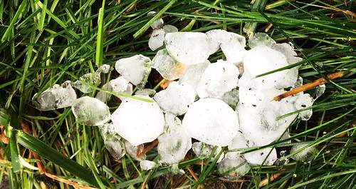 Nicht nur Regen, auch Eiskugeln