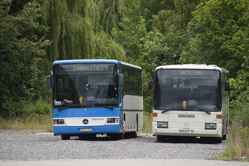 Mercedes-Benz Integro O 550 Q Bus Ballenstedt 127 met kenteken QLB-A 946 en Mercedes-Benz O 408 WVB Wernigerode 21 met kenteken WR-KV 9 in Harzgerode 08-07-2019