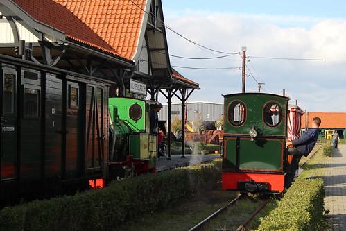 2018-09-30; 0117. Loc. 8 en 5 Sandra. Nationale smalspoor modelbouwdagen, Stoomtrein Katwijk-Leiden.