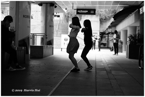Dancing On The Street - Robson Square XT7202e