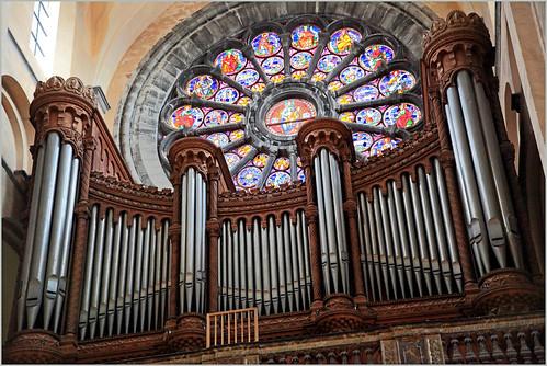 Orgue et rosace de la Cathédrale Notre-Dame de Tournai, Province du Hainaut, Belgium