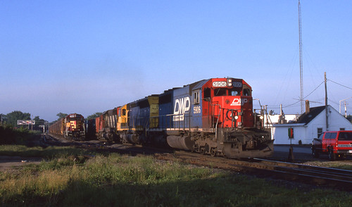 CN DWP 5906 on WC - 6/17/1998