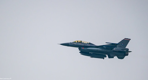 Having Dinner and 3 F16s Fly by, Then a 2nd Fly by, Then Grabbed my Camera swapped Lens and Caught them on the 3rd Fly by and then had to Head off ...