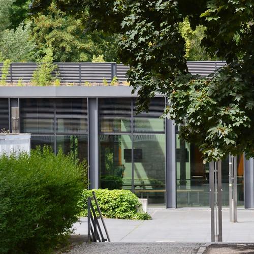 Weimar, Glas - Stahl - Grün