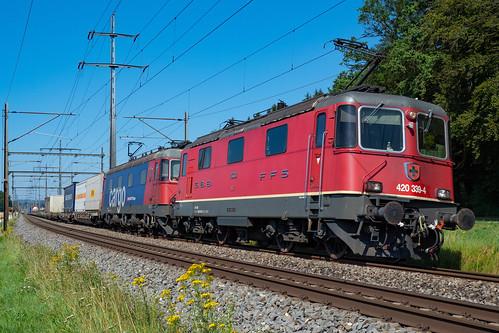 SBB CFF FFS Re 420 239-4 + Re 620...