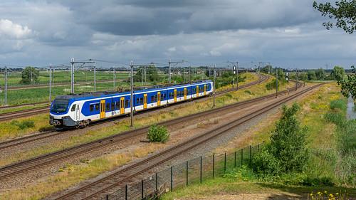 Lage Zwaluwe NSR Flirt 2510 Sprinter 6634 Arnhem