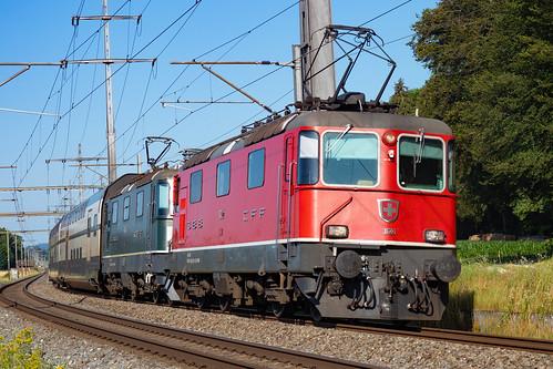 SBB CFF FFS Re 4/4 II (Re420) 11122+ Re 4/4 II (Re420) 11161