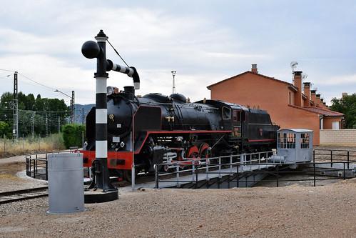 Locomotora Mikado en la estación (Arcos de Jalón)