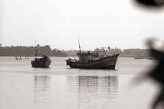 Fishing boats on the Sông Thu Bồn at Hội An