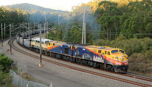 42109 + 42107 & 42103 QRN VP405 NEWSTAN COLLIERY TO VALES POINT POWER STATION - FASSIFERN 23rd June 2006