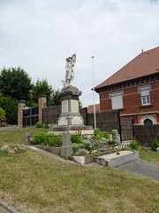 Fampoux le monument aux Morts - Photo of Sailly-en-Ostrevent