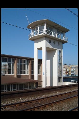 amsterdam ns station muiderpoort 05 1939 schelling hgj (celebesstr)