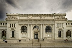 Apple Store Carnegie Library Exterior