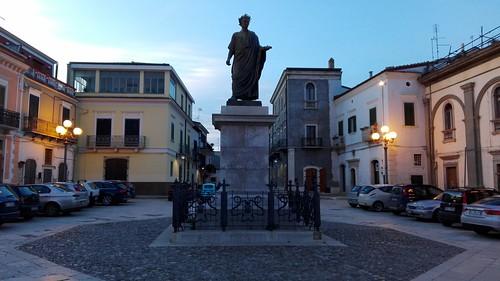 Venosa (PZ). Monumento ad Orazio. 2016.