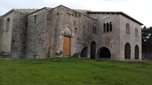Venosa (PZ). Chiesa della SS. Trinità. (2) 2016.