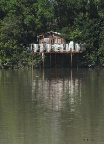 Cabane de pêcheur en bord de Garonne...