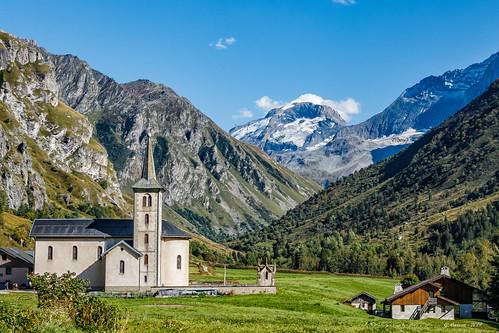 Une petite église... dans un petit coin de montagne (Savoie)