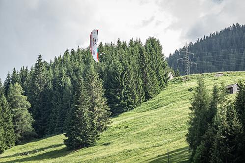 Chrigel Maurer doing the slalom racetrack just before landing at turnpoint 5