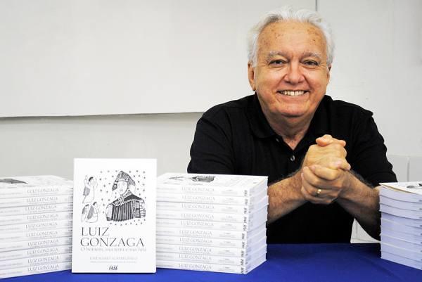 O livro também foca na multiculturalidade do pernambucano - Créditos: Divulgação/ALECE