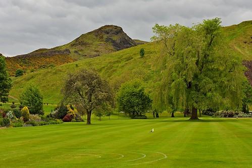 Edinburgh / Palace of Holyroodhouse / Private Garden / Holyrood Park / Arthur's seat