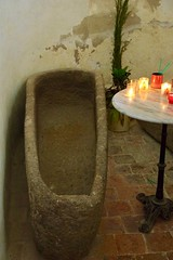Stone Coffin - Photo of Fyé