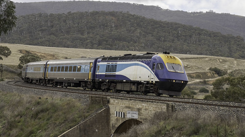 XP2015 named City of Wangaratta, with XP2005 (unseen) trailing