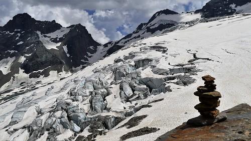 Gletscher mit Steinmännchen...