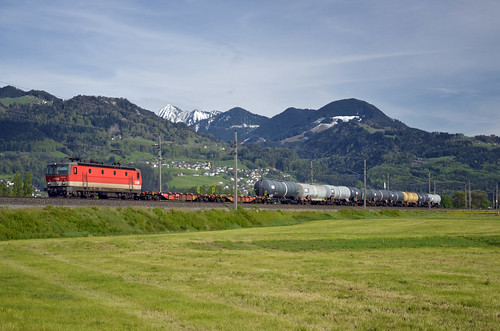 Northbound freight @ Röthis
