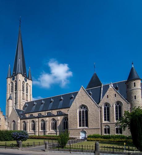 Onze-Lieve-Vrouw-Waver, Onze-Lieve-Vrouwkerk.