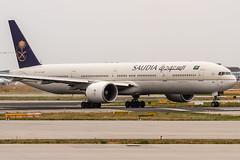 HZ-AK25 Saudi Arabian Airlines Boeing 777-368(ER) lining up on Runway18 for departure to Riad (RUH / OERK) @ Frankfurt (FRA / EDDF) / 18.07.2019