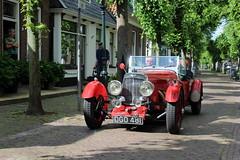 Aston Martin in Langweer