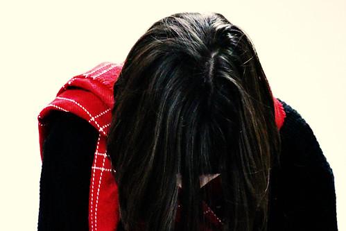 La chica de la bufanda roja