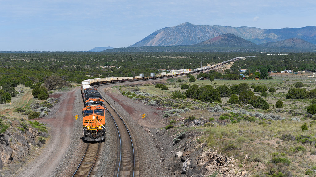 BNSF 5947 ES44AC - Download Photo - Tomato to - Search