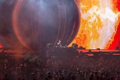 Yotto vor spektakulärem Bühnenbild der Freedom Stage am Tomorrowland Festival 2019