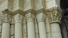 Ronsenac - church, column capital