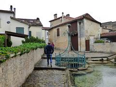 Ronsenac - Fontaine Legenadaire