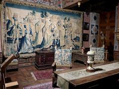 Bourdeilles - Chateau de Bourdeilles, renaissance palace chamber tapestry (2)