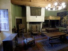 Bourdeilles - Chateau de Bourdeilles, renaissance palace bedchamber (2)
