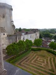 Bourdeilles - Chateau de Bourdeilles, renaissance palace bedchamber view (2)