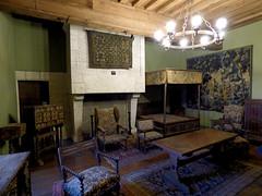 Bourdeilles - Chateau de Bourdeilles, renaissance palace bedchamber