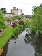Bourdeilles - Chateau de Bourdeilles, terrace river Dronne