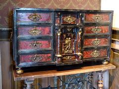 Bourdeilles - Chateau de Bourdeilles, renaissance palace bedchamber, lacquer cabinet