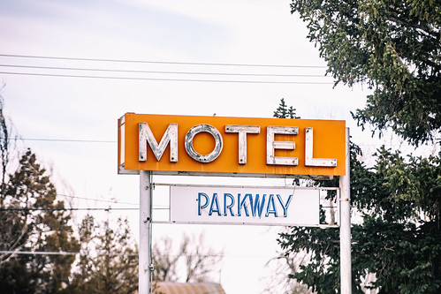 Motel Parkway